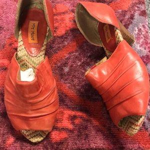 Miz Mooz Red Shoe 👠🌟🌟🌟